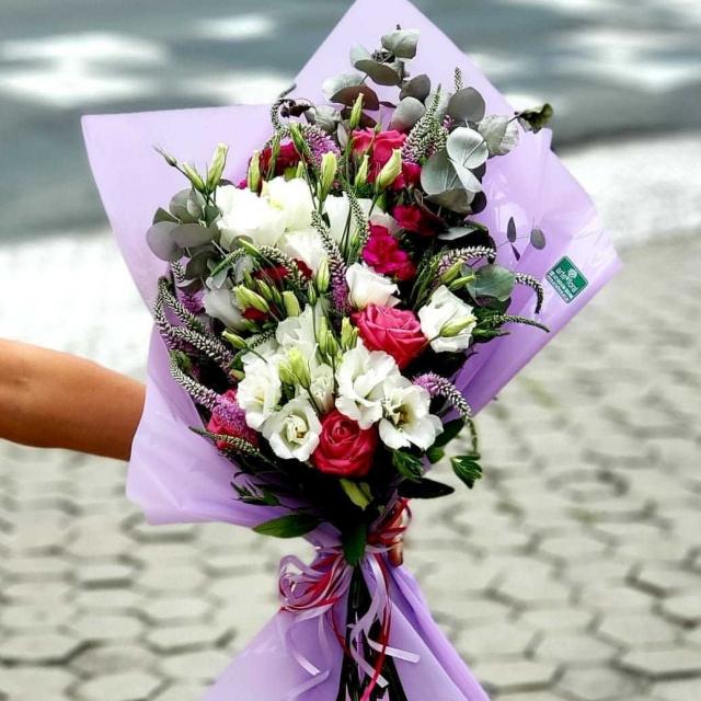 Ramalhete com Rosas e Flores Mistas