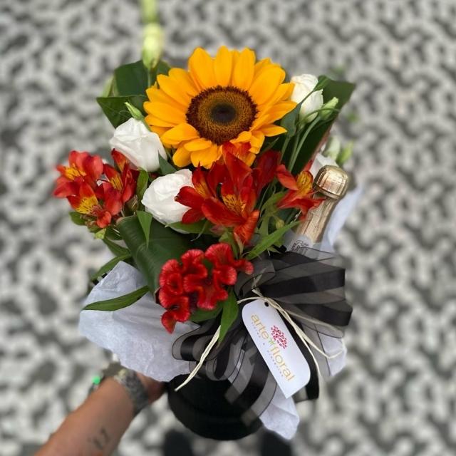 Caixa Flores e Mini Espumante