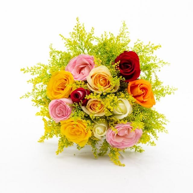 Buquê 12 Rosas Coloridas Moderno